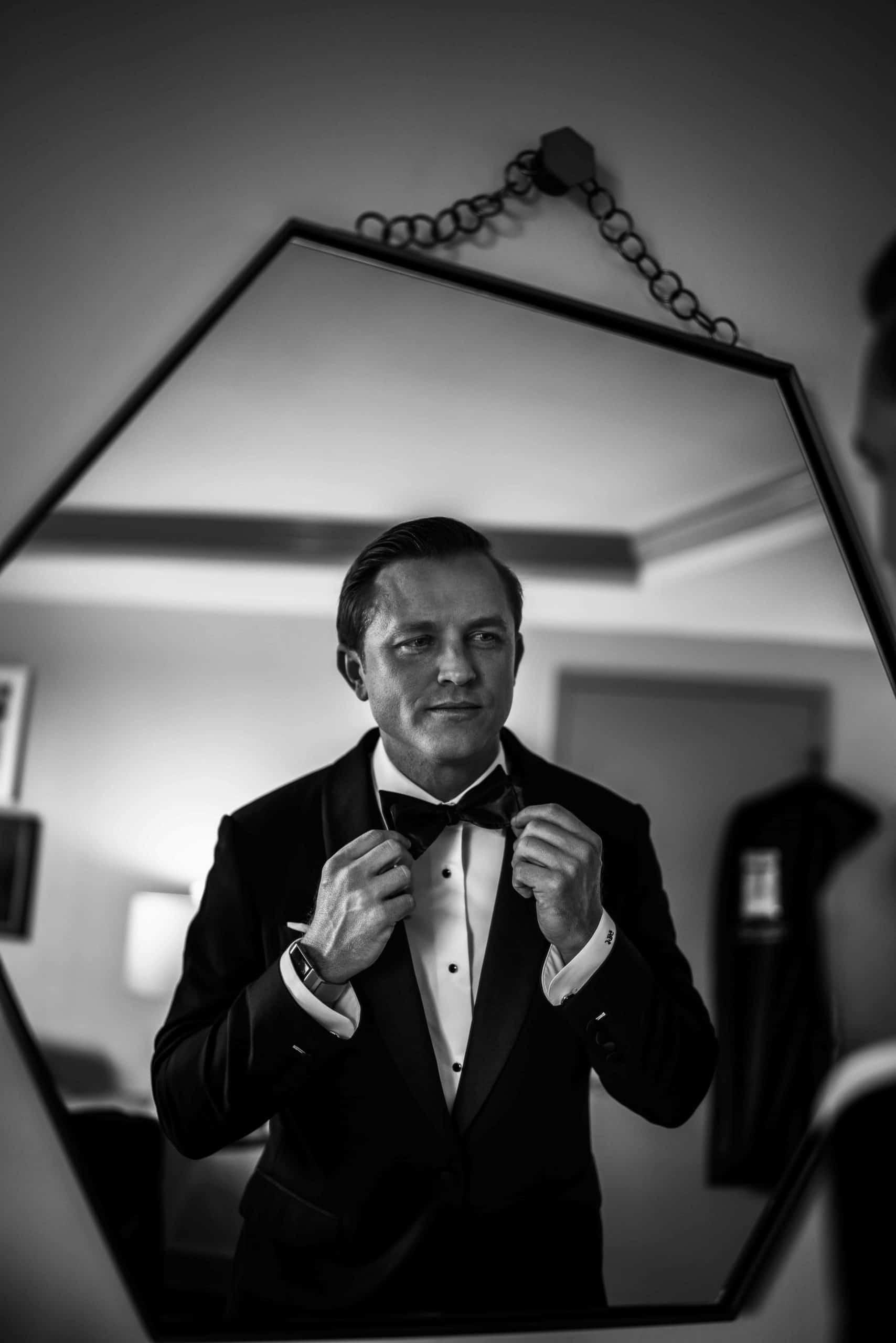 groom in the vinoy suite